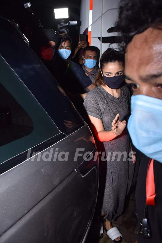 Alia Bhatt spotted after a shoot in Andheri