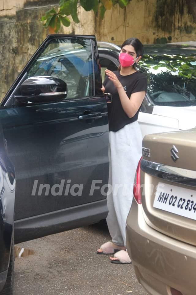 Khushi Kapoor snapped at gym in Santacruz