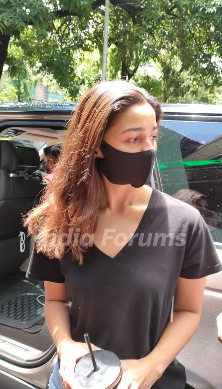 Alia Bhatt snapped at a dubbing studio in Mumbai