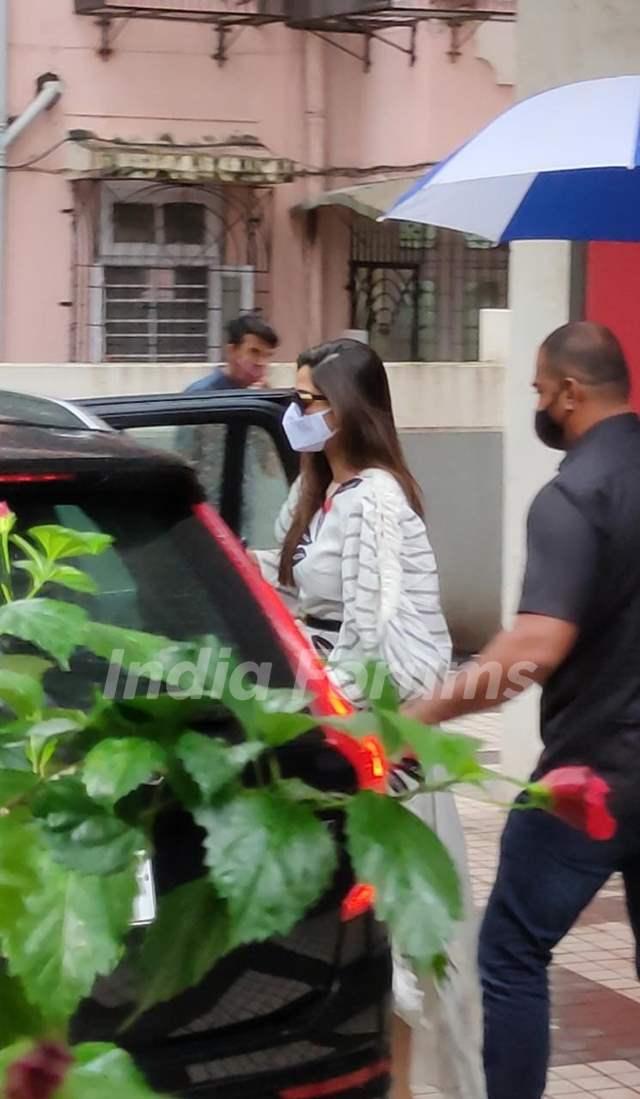 Sonam Kapoor snapped at a clinic in Bandra