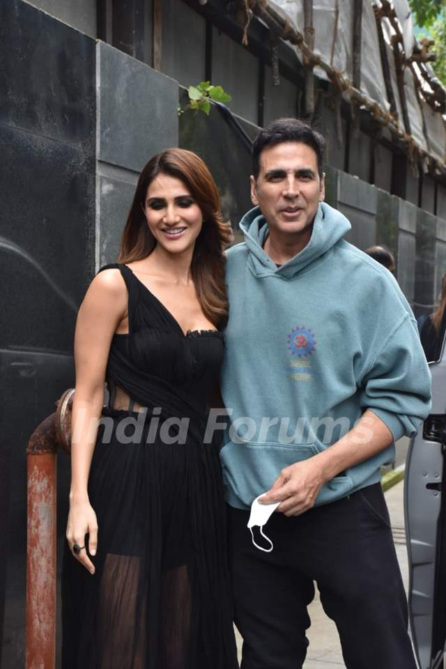 Vaani Kapoor and Akshay Kumar snapped at the promotions of Bell Bottom
