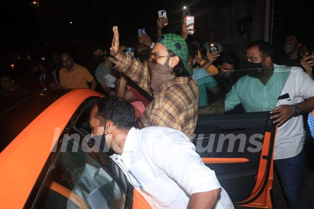 Ranveer Singh snapped at Zoya Akhtar house on Wednesday