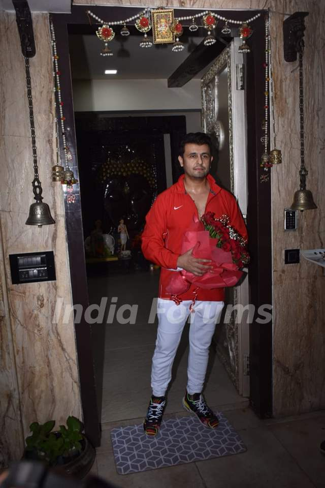 Sonu Nigam celebrates his birthday