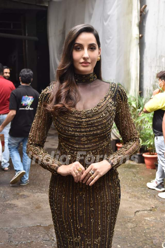 Nora Fatehi poses on the sets of Dance Deewane