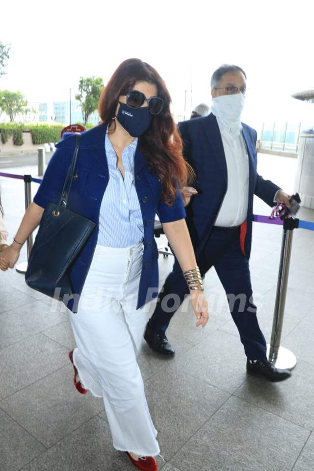 Twinkle Khanna snapped at airport
