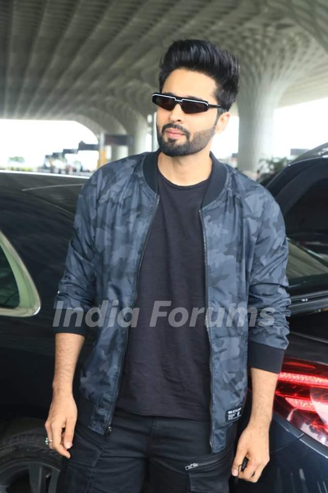 Jackky Bhagnani snapped at airport