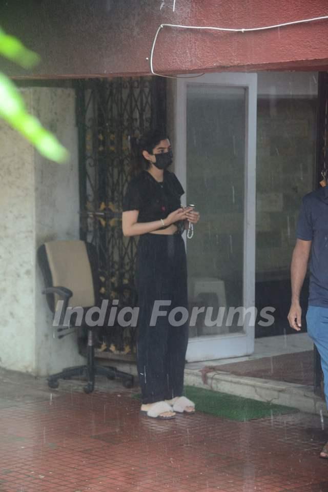 Khushi Kapoor snapped at Pilates