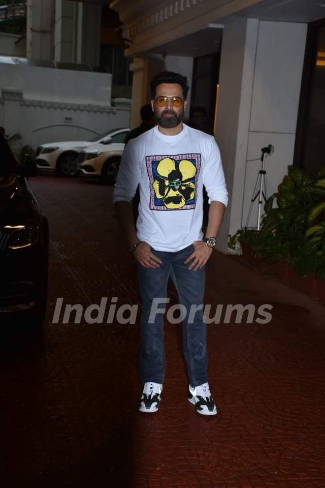 Emraan Hashmi snapped at the promotions of Chehre