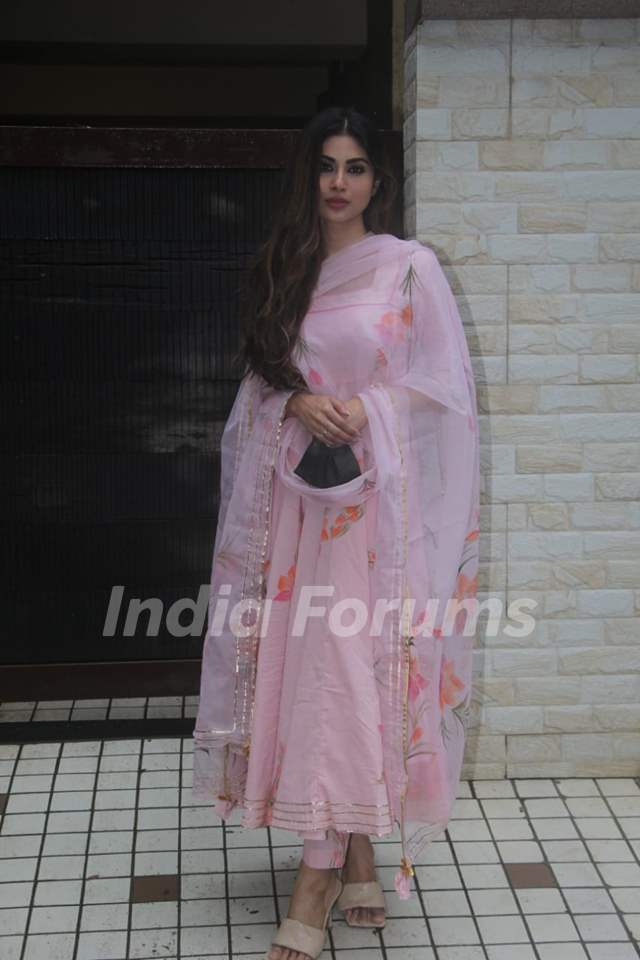 Mouni Roy snapped at a dubbing studio in Khar