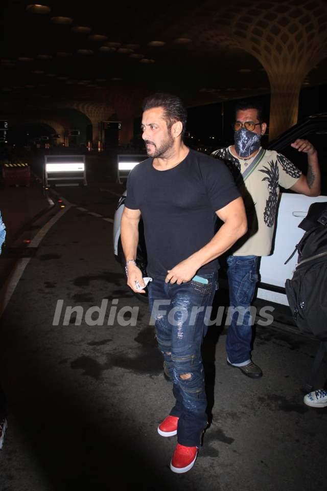 Salman Khan snapped at airport