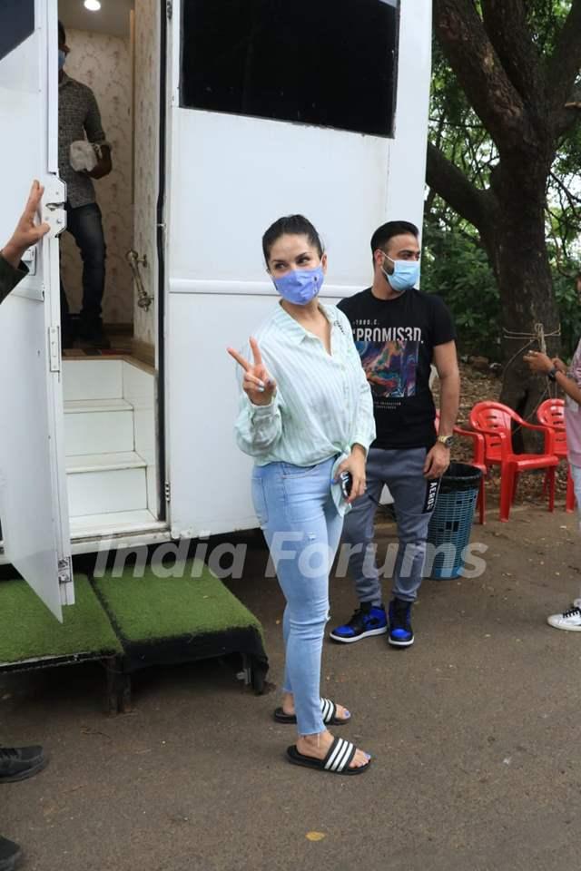 Sunny Leone arrives at the sets of Big Boss OTT