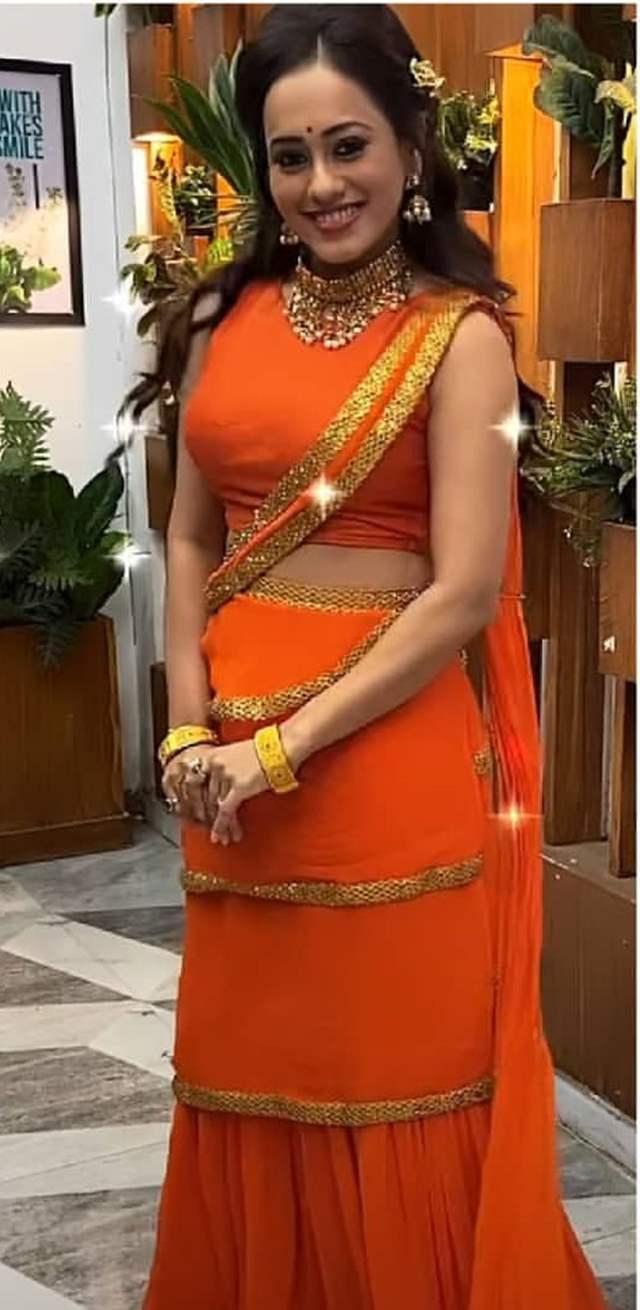 Krutika Desai as Radhika