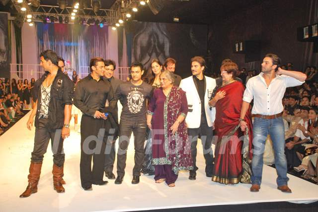 Govinda, Sanjay Dutt, Ajay Devgun, Aamir Khan and Katrina ...