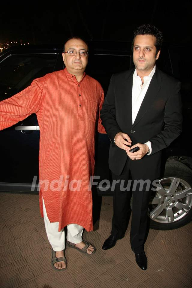 Vivek Vaswani and Fardeen at Dhula Mil Gaya promotional event at MMTC Festival of Gold at Tulip Star