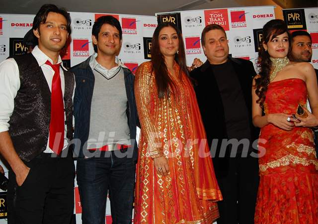 "PVR Cinemas hosted a Red Carpet Premiere of ""Toh Baat Pakki"" on the late evening of 18th February 2010 at PVR Ambience Mall in Gurgaon At the screening of the film present were the actors Tabu, Yuvika, Sharman Joshi & Vatsal Sheth"