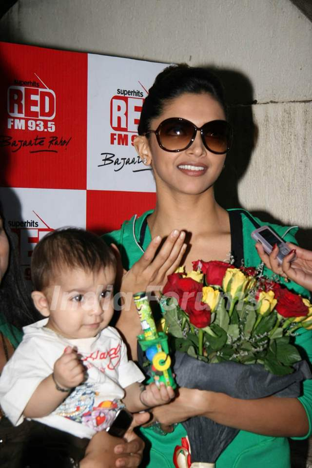 Deepika Padukone''s special screening with Red FM of ...