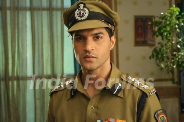 Avinash Matto Police Inspector in Uttaran