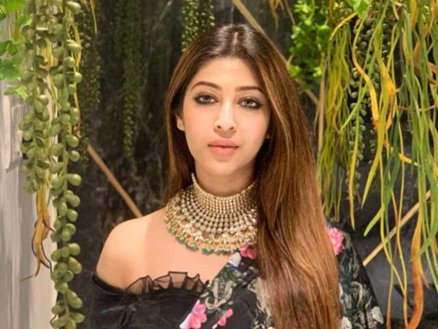 Photos sonarika bhadoria Sonarika Bhadoria's