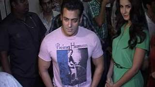 Salman And Katrina promote Ek Tha Tiger on the sets of Dance India Dance L'il Masters