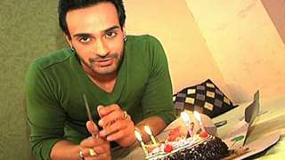 Angad Hasija celebrate his B'day with india-forums.com