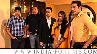 Imran and Sonakshi on CID to promote Once Upon A Time In Mumbaai Dobaara