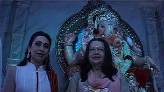 Karishma Kapoor and Babita at Ashish Shelar's Ganpati Darshan