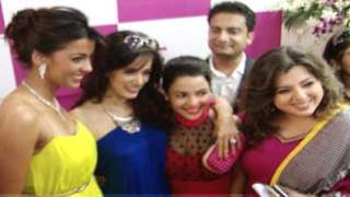 Mugdha Godse and other Bollywood Celebs at the launch of Fiona Jewellery Store