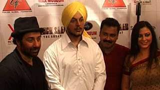 Sunny Deol unveils Shaheed Bhagat Singh's wax statue