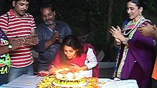 Keerti Nagpure celebrates her Birthday on the sets of Desh Ki Beti Nandini