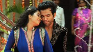Rithvik and Asha's special performance in Ek Muthi Aasman