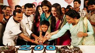 Celebration Time On The Sets Of Tumhari Paakhi