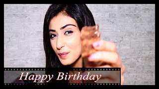 Nikita Sharma Celebrates B'day With India-Forums