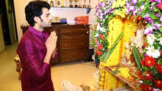 Manish Paul Feels Happy With Bappa's Presence