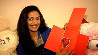 Rati Pandey Receives Birthday Gifts From Her Fans - Part 03